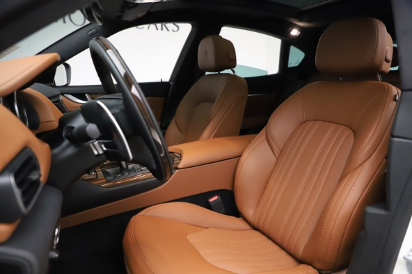 New 2021 Maserati Levante Q4 GranLusso for sale $89,535 at Maserati of Westport in Westport CT 06880 14