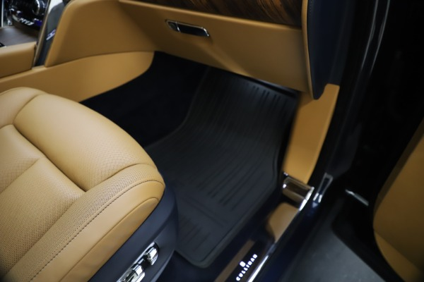 Used 2019 Rolls-Royce Cullinan for sale Sold at Maserati of Westport in Westport CT 06880 28