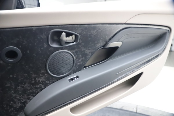 New 2021 Aston Martin DB11 Volante Convertible for sale $270,386 at Maserati of Westport in Westport CT 06880 24