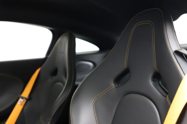 Used 2019 McLaren 600LT for sale $223,900 at Maserati of Westport in Westport CT 06880 18