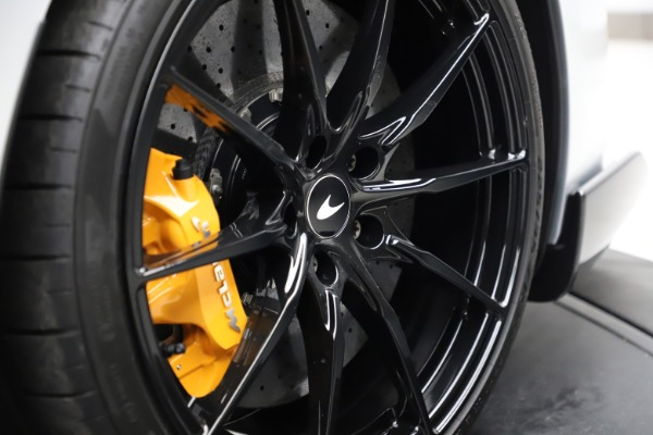 Used 2019 McLaren 600LT for sale $223,900 at Maserati of Westport in Westport CT 06880 27