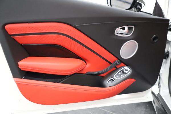 New 2021 Aston Martin Vantage Roadster Convertible for sale $189,186 at Maserati of Westport in Westport CT 06880 16