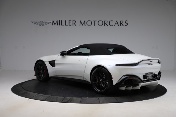 New 2021 Aston Martin Vantage Roadster Convertible for sale $189,186 at Maserati of Westport in Westport CT 06880 23