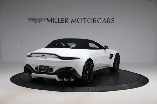 New 2021 Aston Martin Vantage Roadster Convertible for sale $189,186 at Maserati of Westport in Westport CT 06880 24