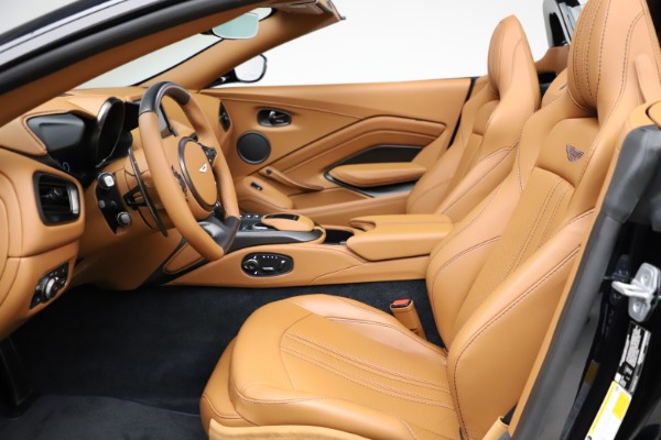 New 2021 Aston Martin Vantage Roadster Convertible for sale $205,686 at Maserati of Westport in Westport CT 06880 14