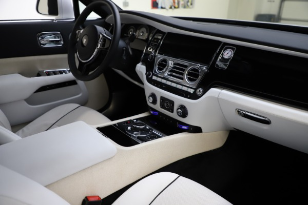 Used 2014 Rolls-Royce Wraith for sale Sold at Maserati of Westport in Westport CT 06880 16
