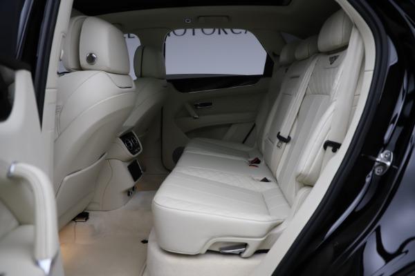Used 2018 Bentley Bentayga W12 Signature for sale $154,900 at Maserati of Westport in Westport CT 06880 23