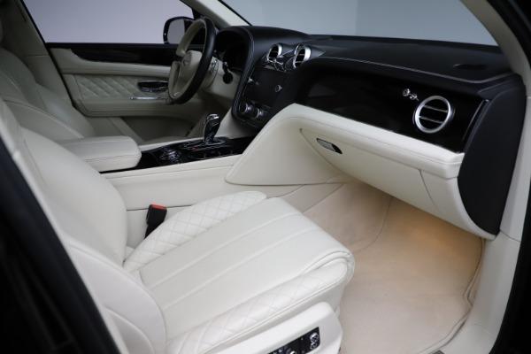 Used 2018 Bentley Bentayga W12 Signature for sale $154,900 at Maserati of Westport in Westport CT 06880 26
