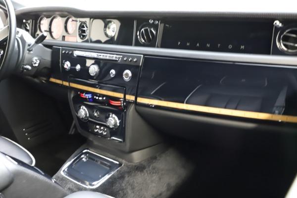 Used 2015 Rolls-Royce Phantom EWB for sale $299,900 at Maserati of Westport in Westport CT 06880 13