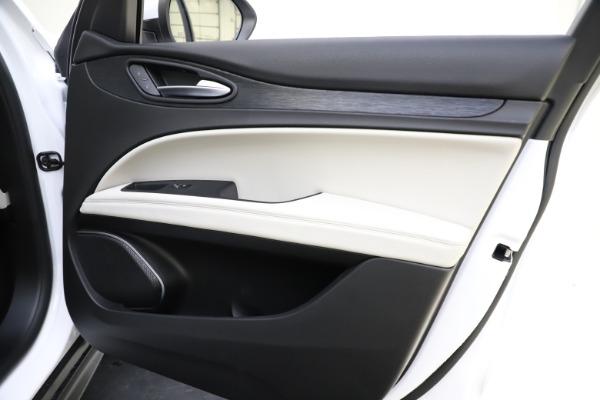 New 2021 Alfa Romeo Stelvio Q4 for sale $47,985 at Maserati of Westport in Westport CT 06880 25