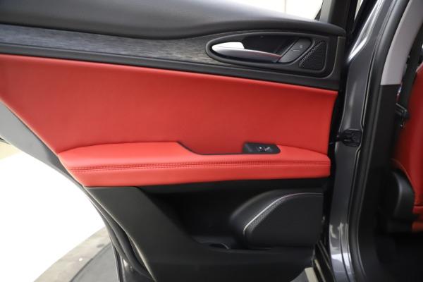 New 2021 Alfa Romeo Stelvio Q4 for sale $48,050 at Maserati of Westport in Westport CT 06880 21