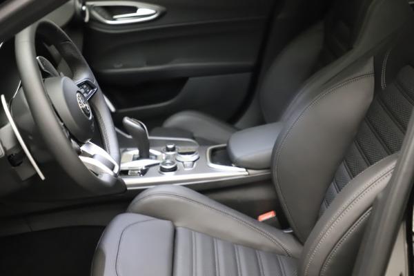 New 2021 Alfa Romeo Giulia Ti Sport Q4 for sale $53,850 at Maserati of Westport in Westport CT 06880 16