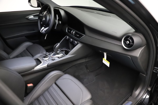 New 2021 Alfa Romeo Giulia Ti Sport Q4 for sale $53,850 at Maserati of Westport in Westport CT 06880 19
