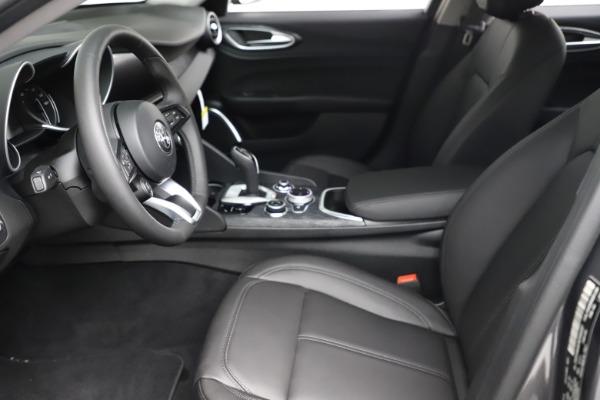 New 2021 Alfa Romeo Giulia Q4 for sale $46,895 at Maserati of Westport in Westport CT 06880 14