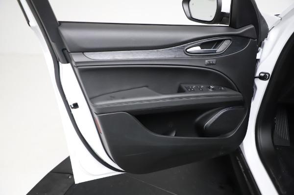 New 2021 Alfa Romeo Stelvio Q4 for sale $49,785 at Maserati of Westport in Westport CT 06880 18