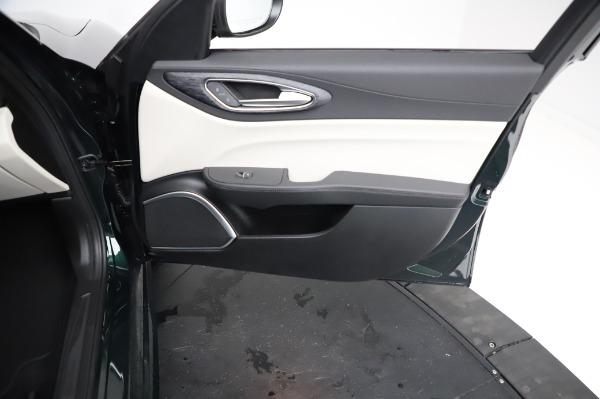 New 2021 Alfa Romeo Giulia Q4 for sale $46,895 at Maserati of Westport in Westport CT 06880 24