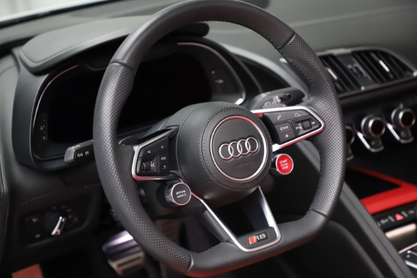 Used 2018 Audi R8 Spyder for sale $154,900 at Maserati of Westport in Westport CT 06880 24