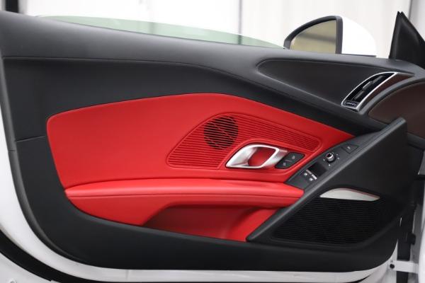 Used 2018 Audi R8 Spyder for sale $154,900 at Maserati of Westport in Westport CT 06880 28