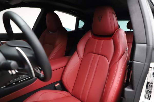 New 2021 Maserati Levante Q4 GranSport for sale $95,835 at Maserati of Westport in Westport CT 06880 16