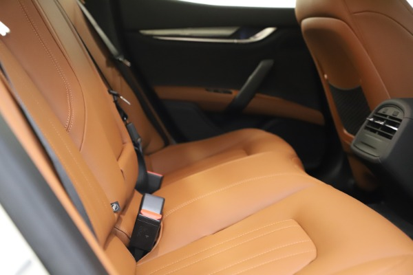 New 2021 Maserati Ghibli S Q4 for sale $85,754 at Maserati of Westport in Westport CT 06880 21