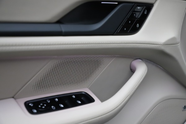 Used 2021 Porsche Taycan 4S for sale $125,900 at Maserati of Westport in Westport CT 06880 19