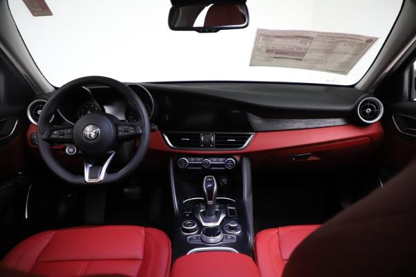 New 2021 Alfa Romeo Giulia Q4 for sale $48,535 at Maserati of Westport in Westport CT 06880 16