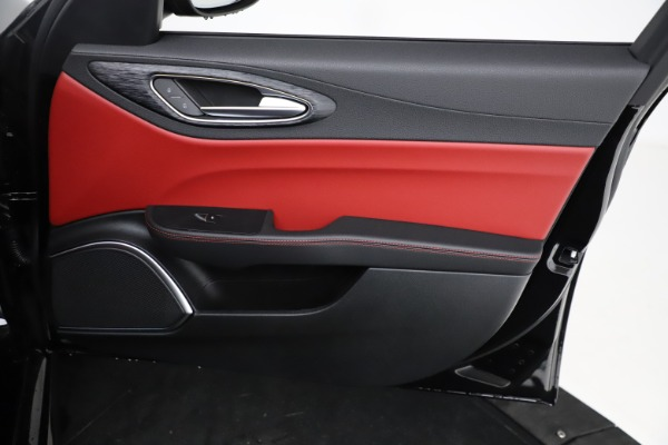 New 2021 Alfa Romeo Giulia Q4 for sale $48,535 at Maserati of Westport in Westport CT 06880 24