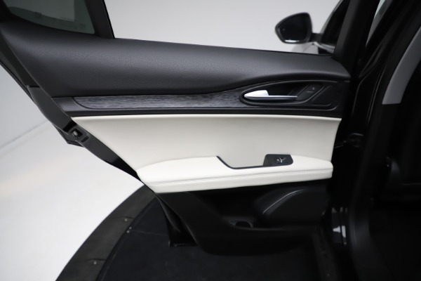 New 2021 Alfa Romeo Stelvio Q4 for sale $50,245 at Maserati of Westport in Westport CT 06880 21