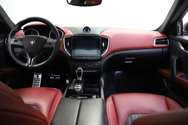 Used 2018 Maserati Ghibli SQ4 GranLusso for sale $55,900 at Maserati of Westport in Westport CT 06880 11