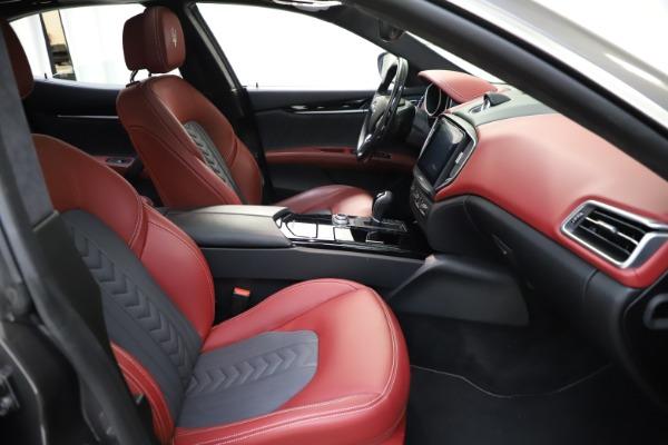 Used 2018 Maserati Ghibli SQ4 GranLusso for sale $55,900 at Maserati of Westport in Westport CT 06880 17