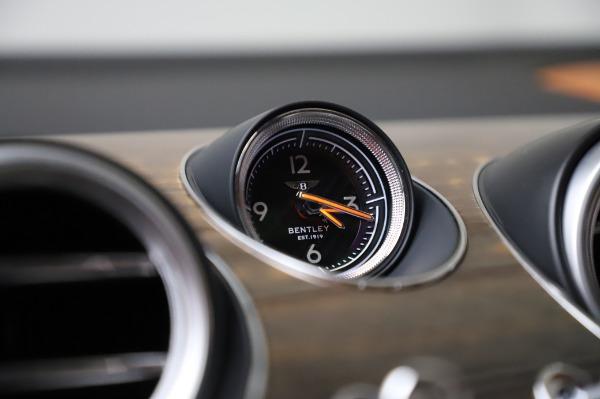 Used 2018 Bentley Bentayga Onyx Edition for sale $149,900 at Maserati of Westport in Westport CT 06880 24