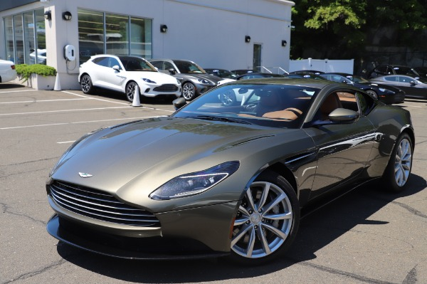 Used 2018 Aston Martin DB11 V8 for sale $151,900 at Maserati of Westport in Westport CT 06880 24