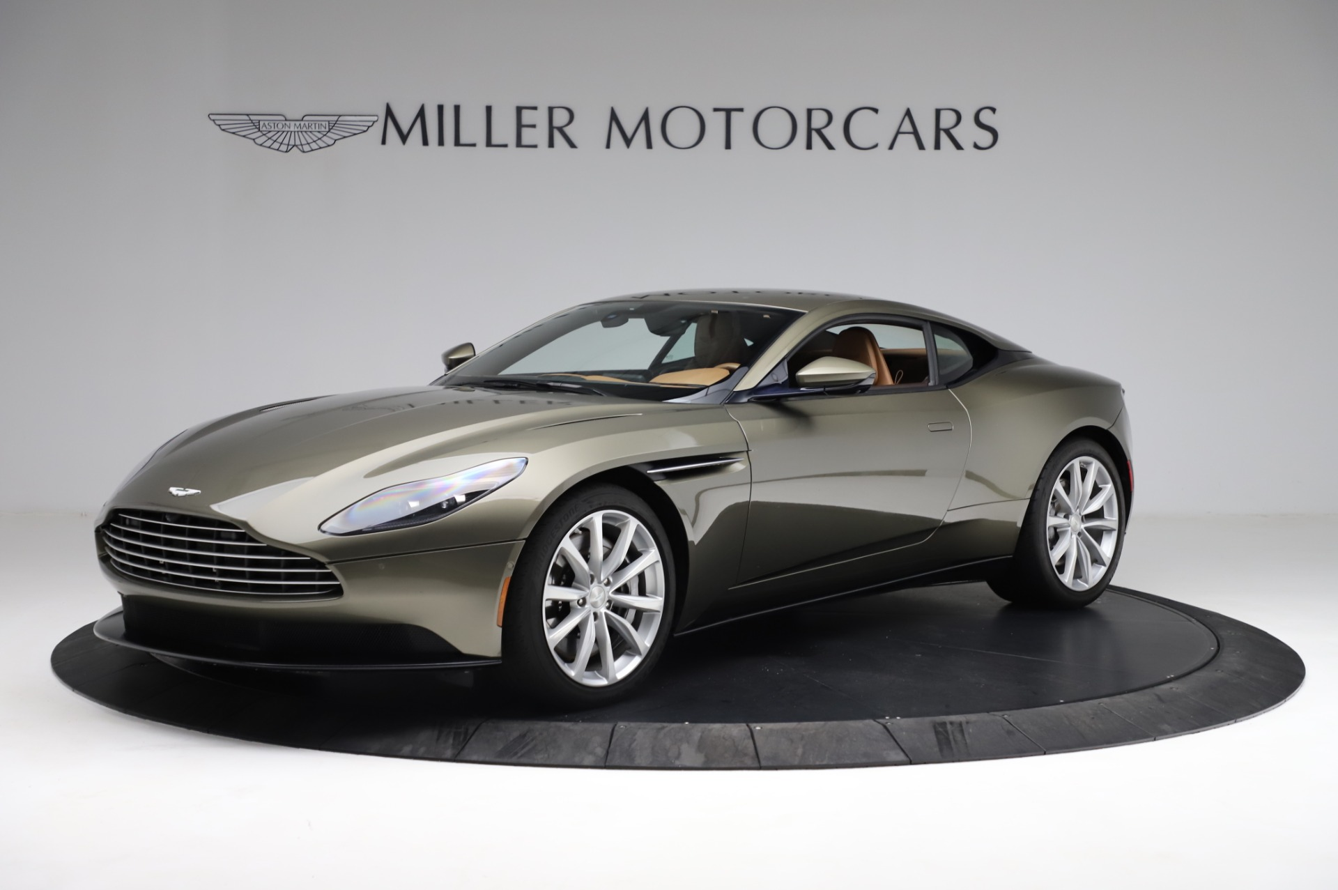 Used 2018 Aston Martin DB11 V8 for sale $151,900 at Maserati of Westport in Westport CT 06880 1