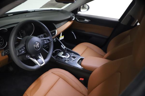 New 2021 Alfa Romeo Giulia Q4 for sale $48,535 at Maserati of Westport in Westport CT 06880 14