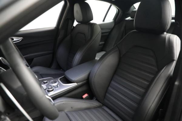 New 2021 Alfa Romeo Giulia Ti Sport Q4 for sale $53,050 at Maserati of Westport in Westport CT 06880 14