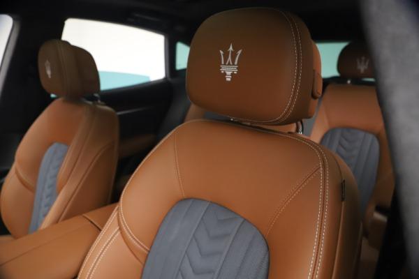 New 2021 Maserati Levante Q4 GranLusso for sale $93,385 at Maserati of Westport in Westport CT 06880 15