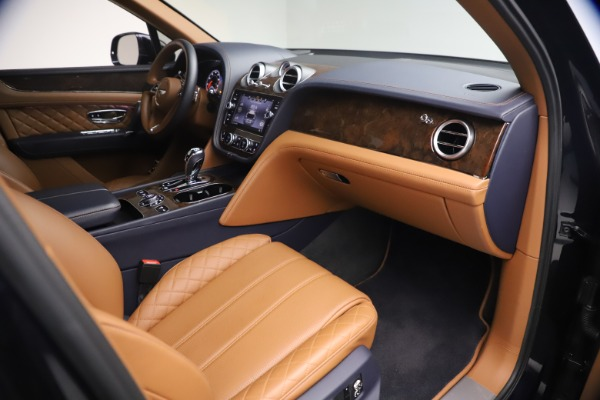 Used 2018 Bentley Bentayga W12 Signature for sale Sold at Maserati of Westport in Westport CT 06880 25