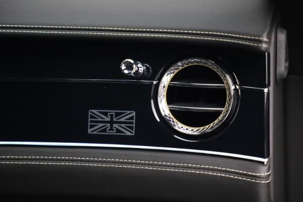 New 2020 Bentley Flying Spur First Edition for sale $276,070 at Maserati of Westport in Westport CT 06880 24