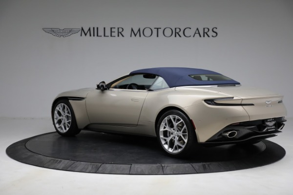 Used 2019 Aston Martin DB11 Volante for sale $209,900 at Maserati of Westport in Westport CT 06880 27