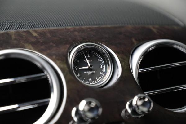 Used 2017 Bentley Flying Spur V8 for sale $144,900 at Maserati of Westport in Westport CT 06880 24