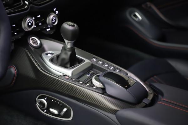 New 2021 Aston Martin Vantage for sale $189,686 at Maserati of Westport in Westport CT 06880 16