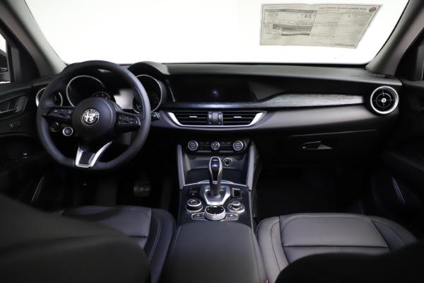 New 2021 Alfa Romeo Stelvio Q4 for sale $50,535 at Maserati of Westport in Westport CT 06880 19