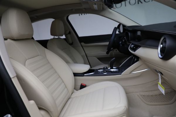 New 2021 Alfa Romeo Stelvio Ti Q4 for sale $55,205 at Maserati of Westport in Westport CT 06880 28