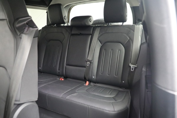 Used 2021 Land Rover Defender 90 First Edition for sale $69,900 at Maserati of Westport in Westport CT 06880 19
