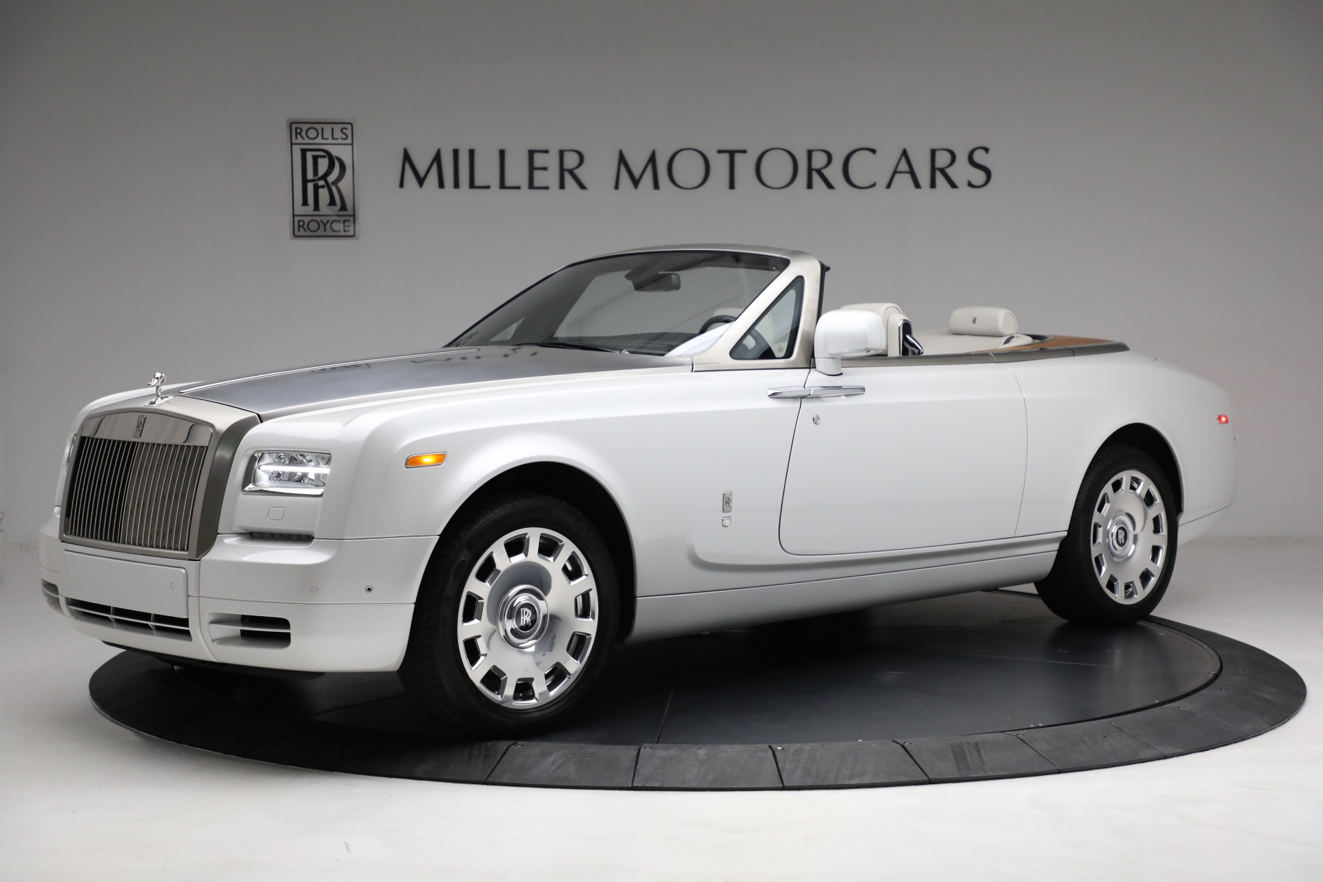 Used 2017 Rolls-Royce Phantom Drophead Coupe for sale Call for price at Maserati of Westport in Westport CT 06880 1