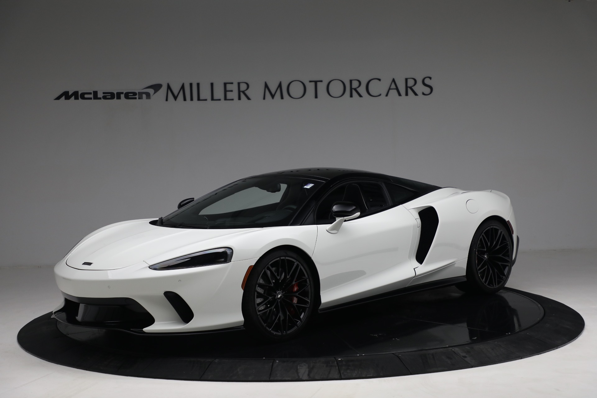 New 2021 McLaren GT Luxe for sale $217,205 at Maserati of Westport in Westport CT 06880 1