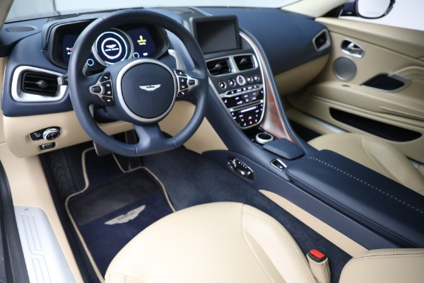 Used 2018 Aston Martin DB11 V12 for sale $164,990 at Maserati of Westport in Westport CT 06880 14