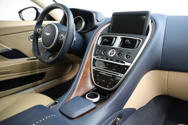 Used 2018 Aston Martin DB11 V12 for sale $164,990 at Maserati of Westport in Westport CT 06880 17