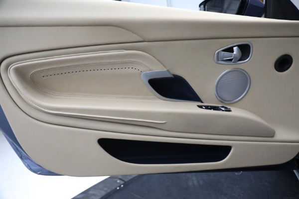 Used 2018 Aston Martin DB11 V12 for sale $164,990 at Maserati of Westport in Westport CT 06880 18
