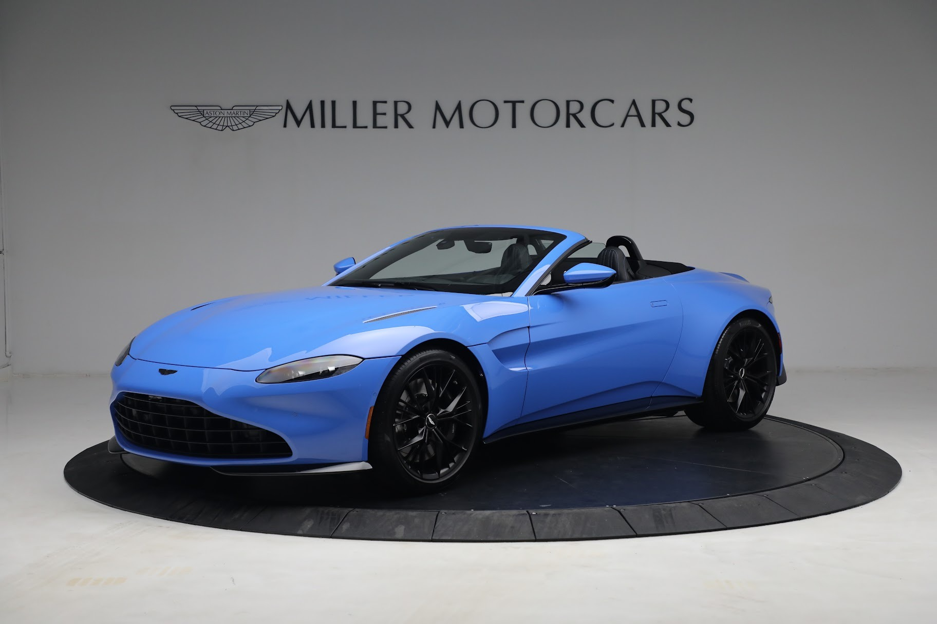 New 2021 Aston Martin Vantage Roadster for sale $186,386 at Maserati of Westport in Westport CT 06880 1